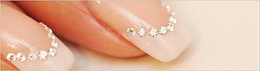 アンドルーチェでダイヤモンドネイルに使用しているダイヤモンドは、 すべて「ハート&キューピット」。美しい形のなかに8個のハートと8本の矢を秘めた、特別なダイヤモンドなのです。